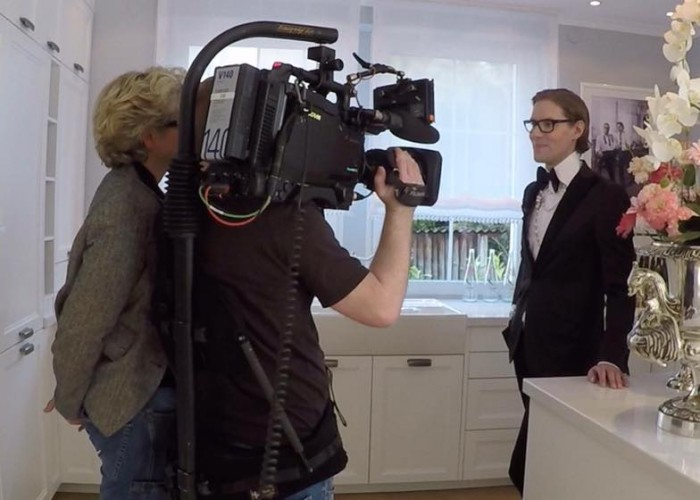 RTL Extra Reportage: Macht Geld glücklich?